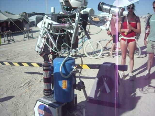 Burning Man 2011 - Hotshot the Robot.AVI_snapshot_00.53_[2011.11.22_09.53.50].jpg